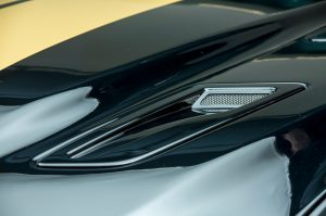 2016-ford-shelby-gt-h-hood-closeup
