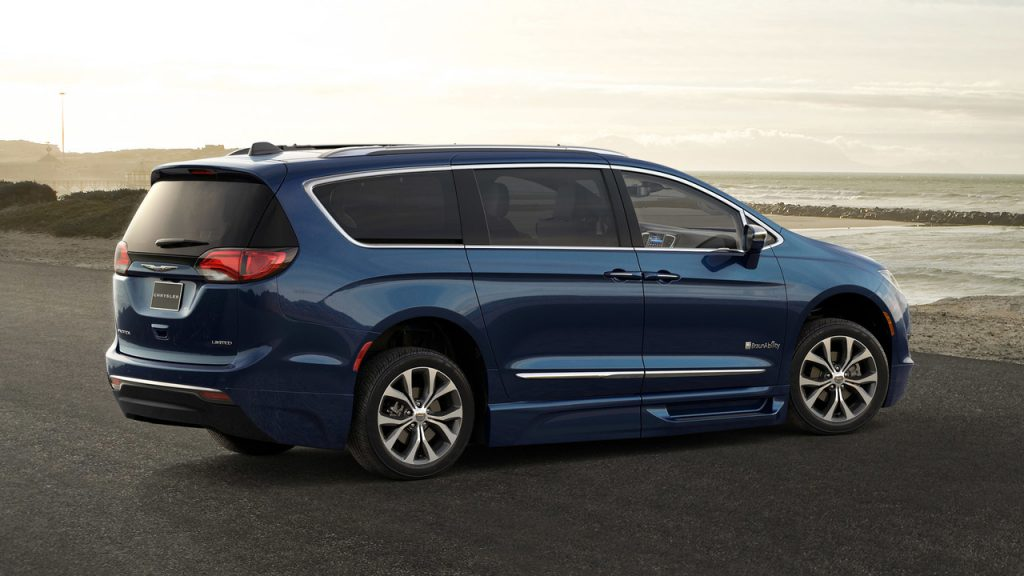 Braunability 2017 Chrysler Pacifica Rear with exterior accents designed by Tangent Design Group, Inc.