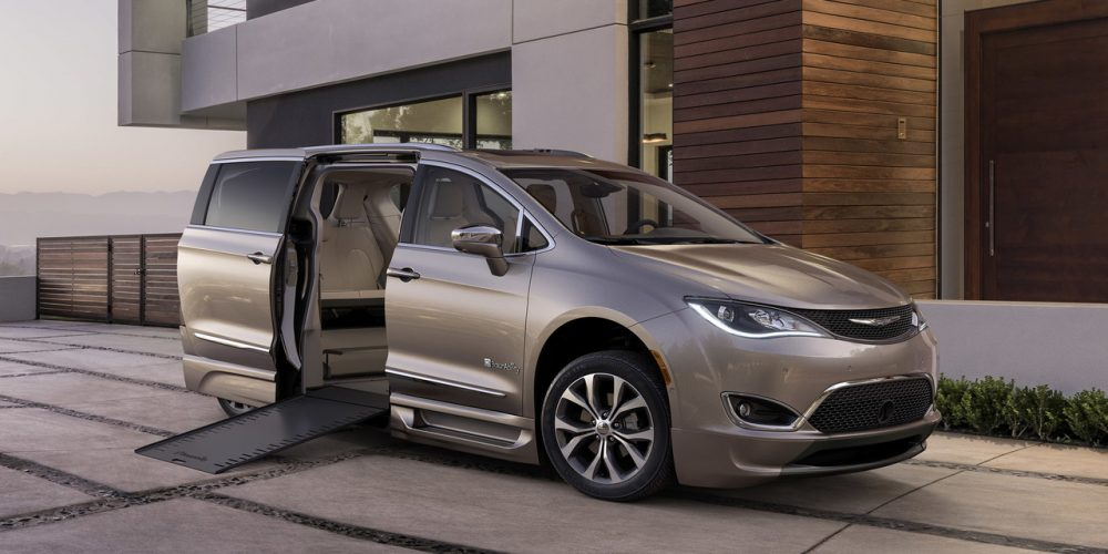 Braunability 2017 Chrysler Pacifica with exterior accents designed by Tangent Design Group, Inc.